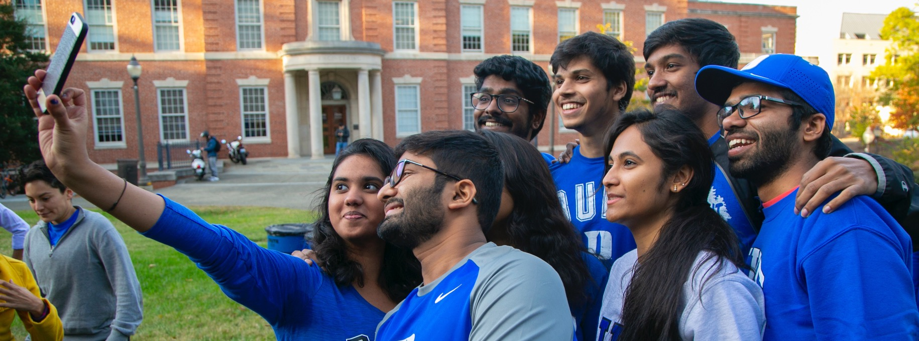 Students in front of Hudson Hall