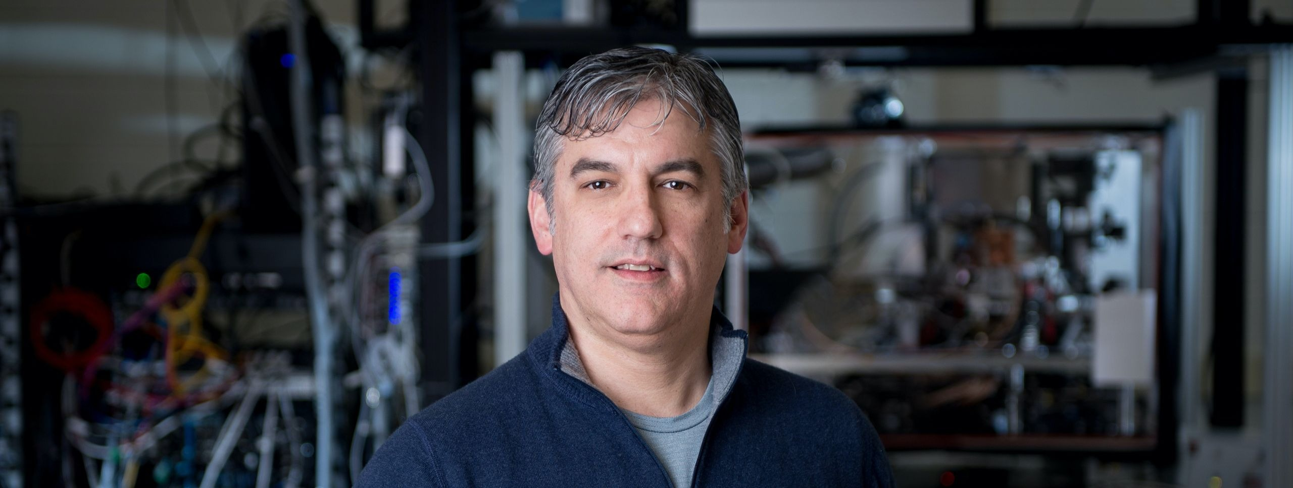 Chris Monroe in IonQ lab