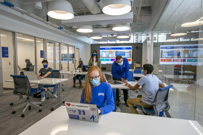 students work in the new Sondland/Durant Center for Entrepreneurship
